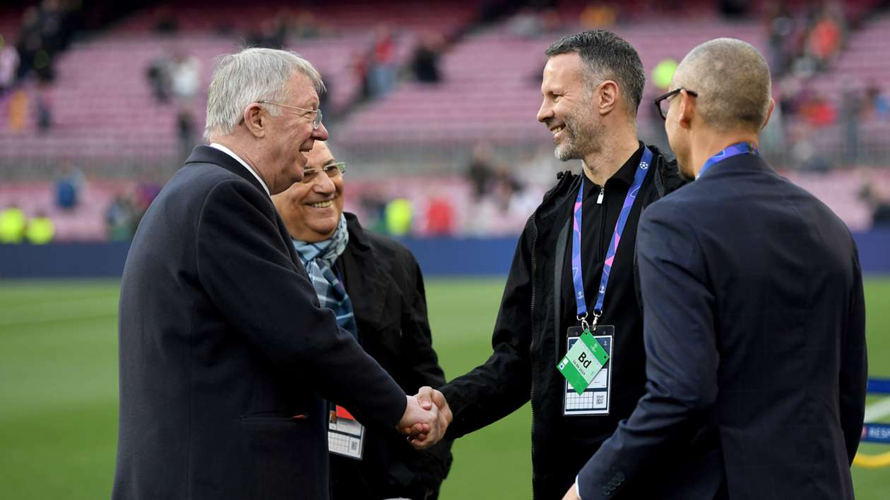 Sir Alex Ferguson impressed by Giggs as Wales manager