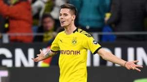 Julian Weigl Borussia Dortmund December 2019