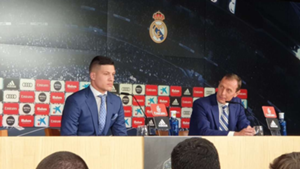 Luka Jovic and Emilio Butragueño during his unveiling with Real Madrid