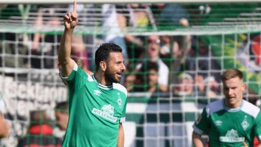 Urlaubsgruß mit Bierdose: Werder-Boss Baumann rüffelt Pizarro | Goal.com