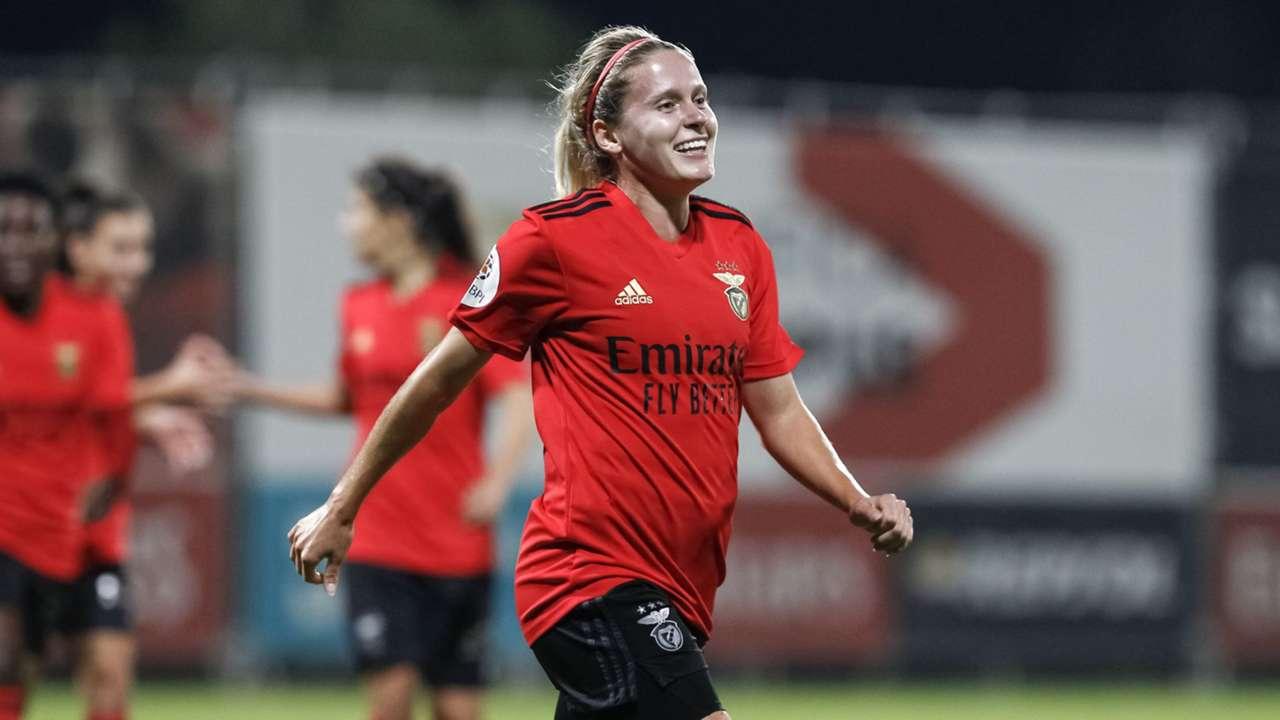 Cloe Lacasse Benfica Women 2020-21