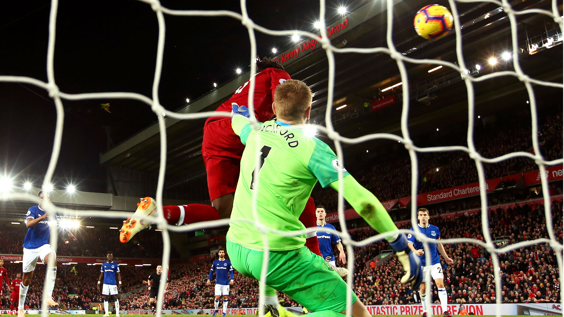 Jordan Pickford Divock Origi Liverpool Everton 021218