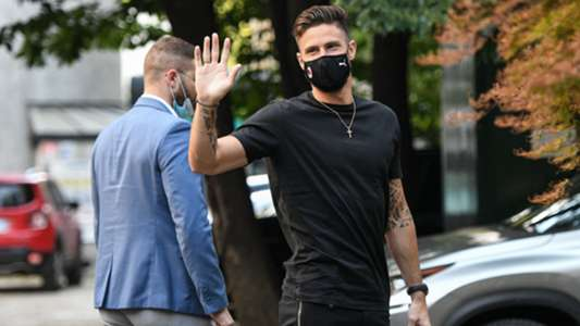 Giroud scores four minutes into AC Milan debut following €2m transfer from Chelsea   Goal.com