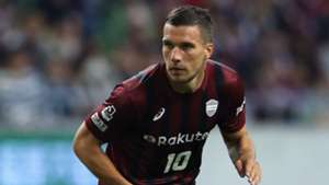 2017-10-25-kobe-Lukas Podolski