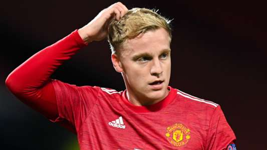 'Van de Beek looks lost at Man Utd' – £40m flop edging closer to Old Trafford exit, says Hughes | Goal.com