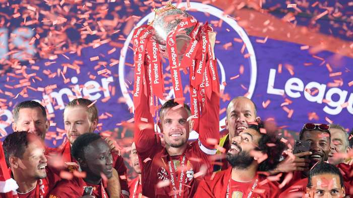 Jordan Henderson Premier League trophy 2020