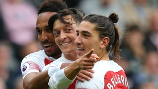 Pierre-Emerick Aubameyang Mesut Ozil Hector Bellerin Arsenal 2018