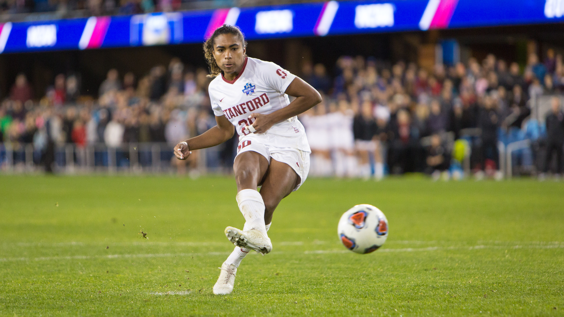 Macario set for USWNT debut after FIFA approves eligibility