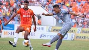 Victor Nirennold vs Vu Quang Nam SHB Da Nang vs Ho Chi Minh CIty FC Round 12 V.League 2019