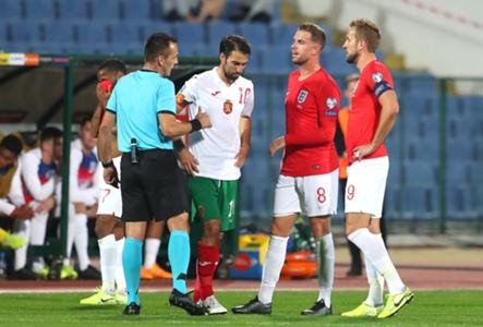 Nach rassistischen Entgleisungen im Spiel gegen England: Bulgaren müssen mit Geisterspiel rechnen