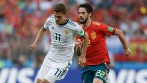 Roman Zobnin Isco Russia Spain World Cup 2018
