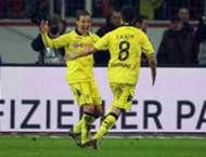 Nuri Sahin Mario Gotze Borussia Dortmund