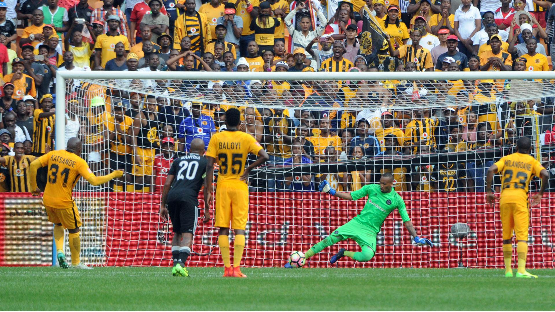 Brighton Mhlongo denies Willard Katsande - Kaizer Chiefs v Orlando Pirates