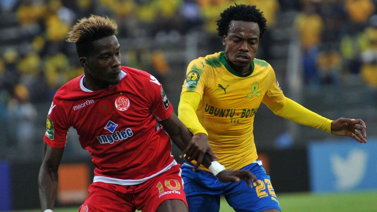 Percy Tau of Mamelodi Sundowns, Guillaume Nicaise Daho of Wydad