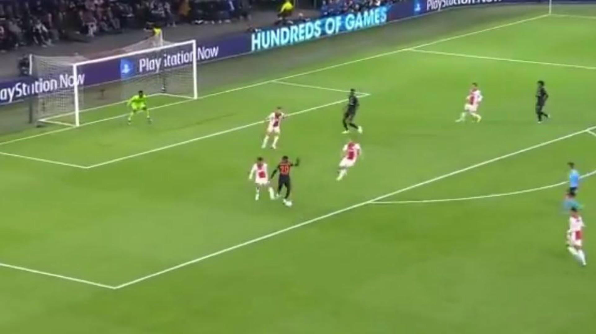 El Chelsea da el golpe ante el Ajax en Amsterdam