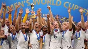 Após título mundial, Donald Trump parabeniza seleção americana