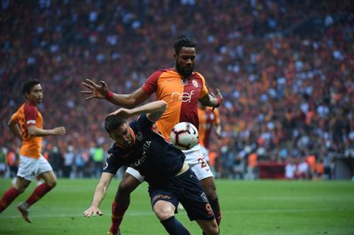 Christian Luyindama Rijad Bajic Galatasaray Basaksehir Turkish Super League 05/19/19