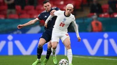 Scotland England EURO 2020 20210618 Phil Foden Andrew Robertson