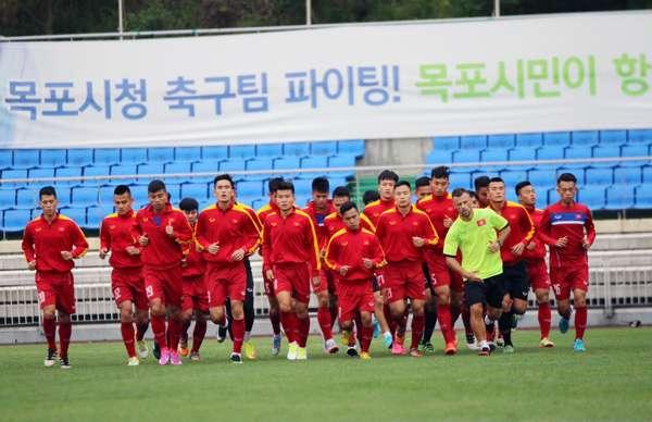 U20 Việt Nam tập buổi đầu ở Hàn Quốc