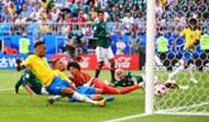 Neymar scores vs MEX