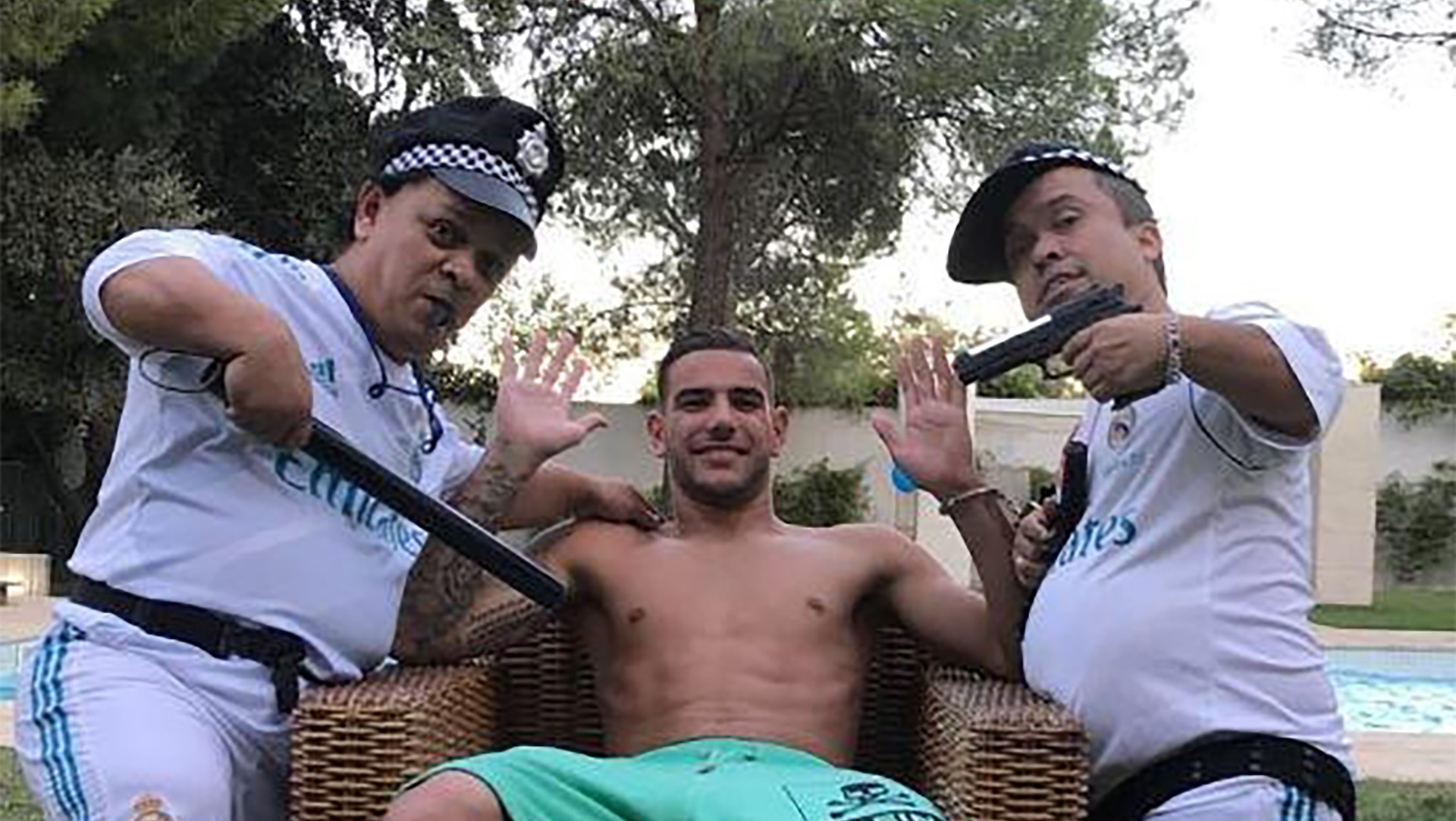 Theo Hernandez - new Real Madrid left back - now the best FB in the world at Milan - Page 6 Theo-hernandez-dwarves_187ztkzhryoah1jf79rd2ptso9