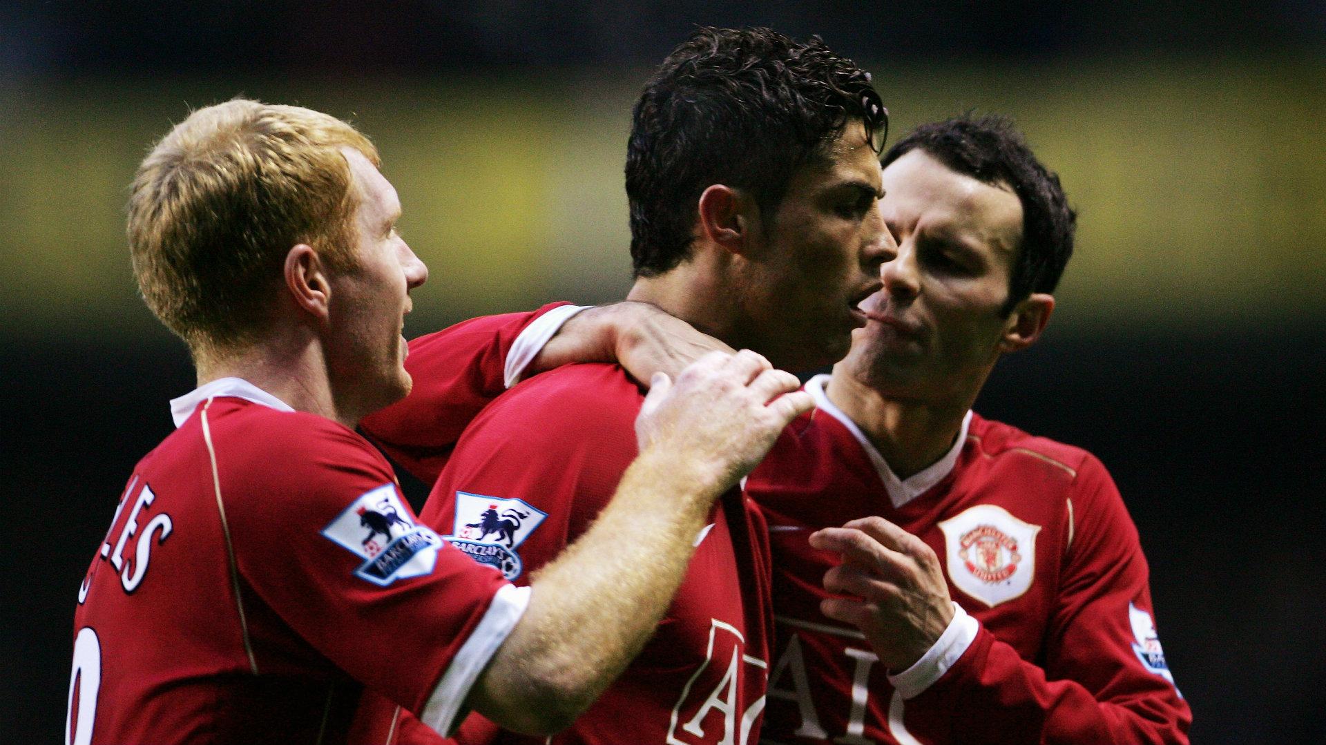 Ronaldo and Scholes make Solskjaer's dream six-a-side team of Manchester United legends