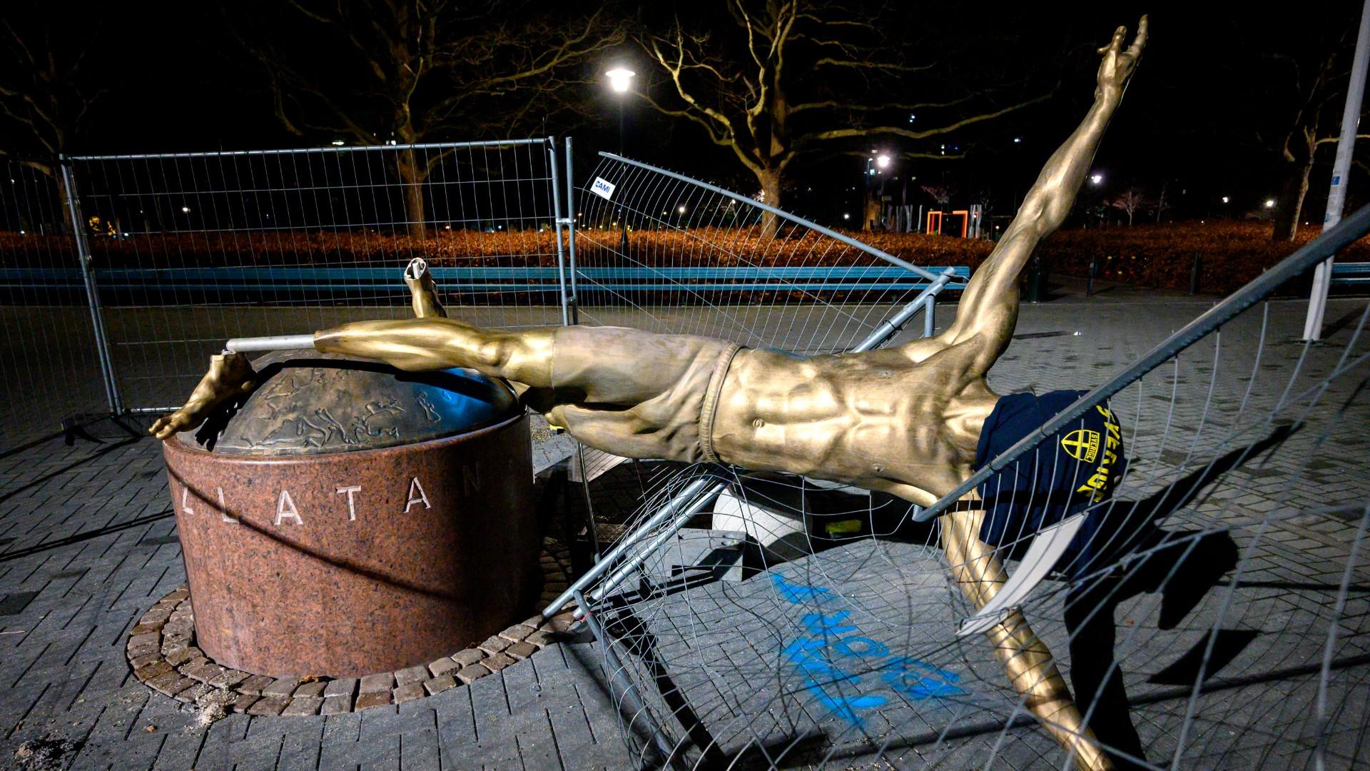 Statue Von Zlatan Ibrahimovic In Malmo Oberhalb Der Fusse Abgesagt Goal Com