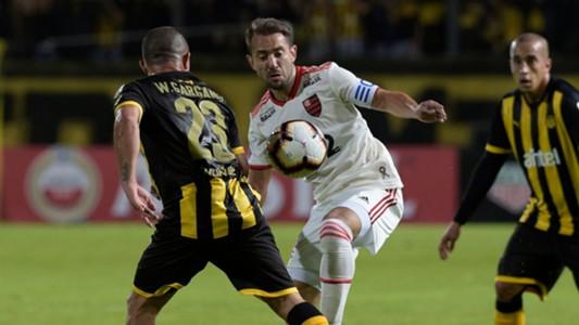Everton Ribeiro Walter Gargano Peñarol Flamengo Libertadores 08052019