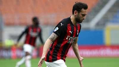 Hakan Calhanoglu. AC Milan vs Sassuolo 04.21.2021