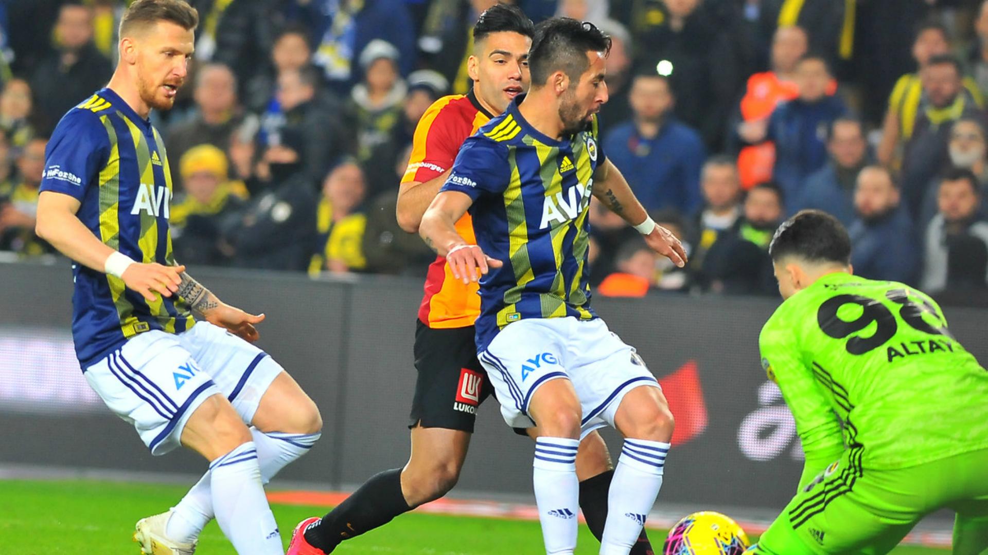 جلطة سراي يتغلب على فناربخشة في كلاسيكو تركي عنيف | Goal.com