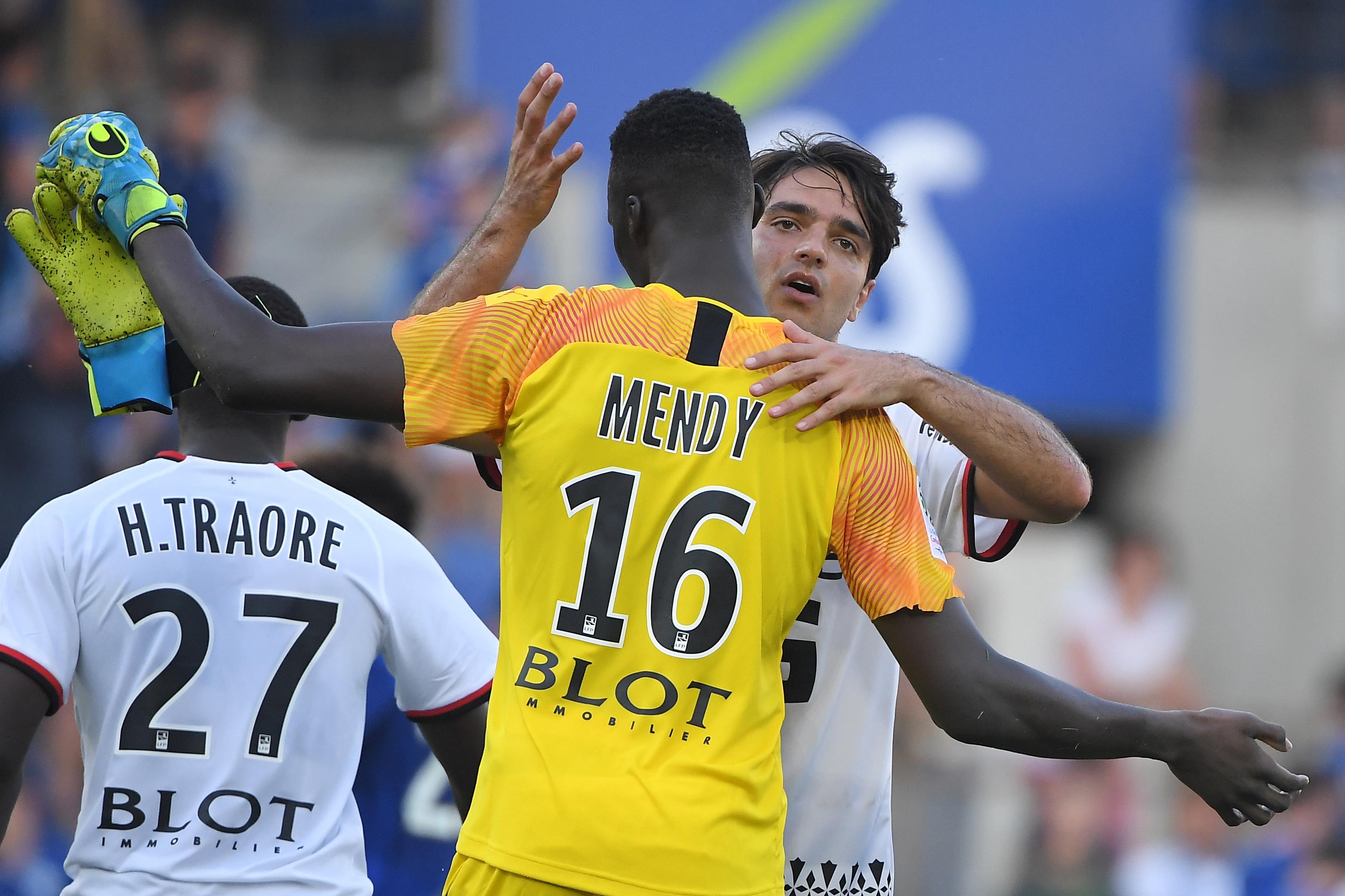 Un joueur de 16 ans dans les buts contre Cluj — Rennes