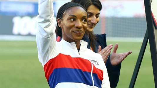 USWNT star Crystal Dunn adapting to adversity like only she can