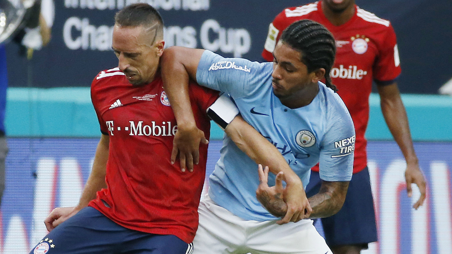 Douglas Luiz Manchester City