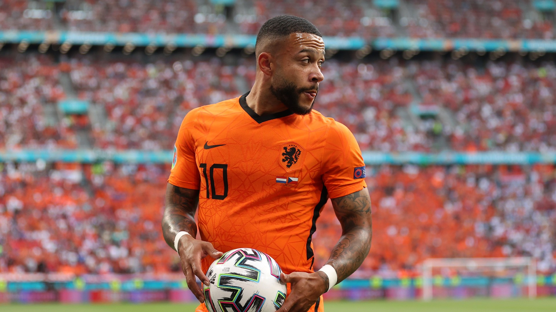 'The three of us are compatible' - Depay confident he can play with Messi and Aguero at Barcelona