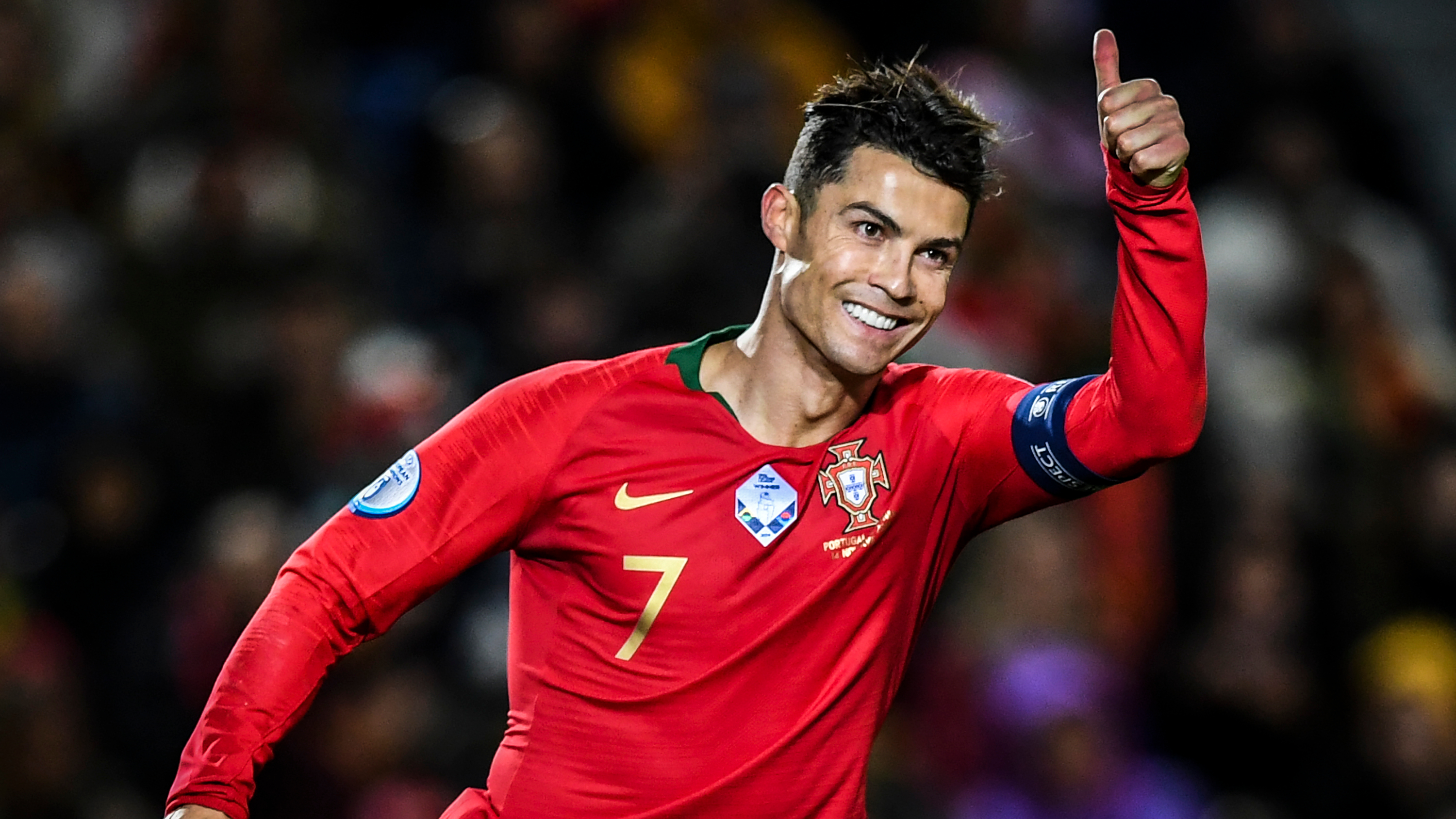 Ronaldo and Mendes donate €1m to hospitals fighting coronavirus in Portugal