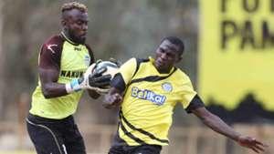 Sammy Okinda saves against Umaru Kasumba of Sofapaka.