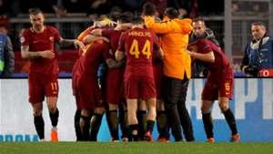 Roma celebrating vs Shakhtar Champions League