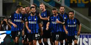Inter players celebrating Inter Fiorentina Serie A