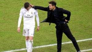 Simeone acaricia a Valverde