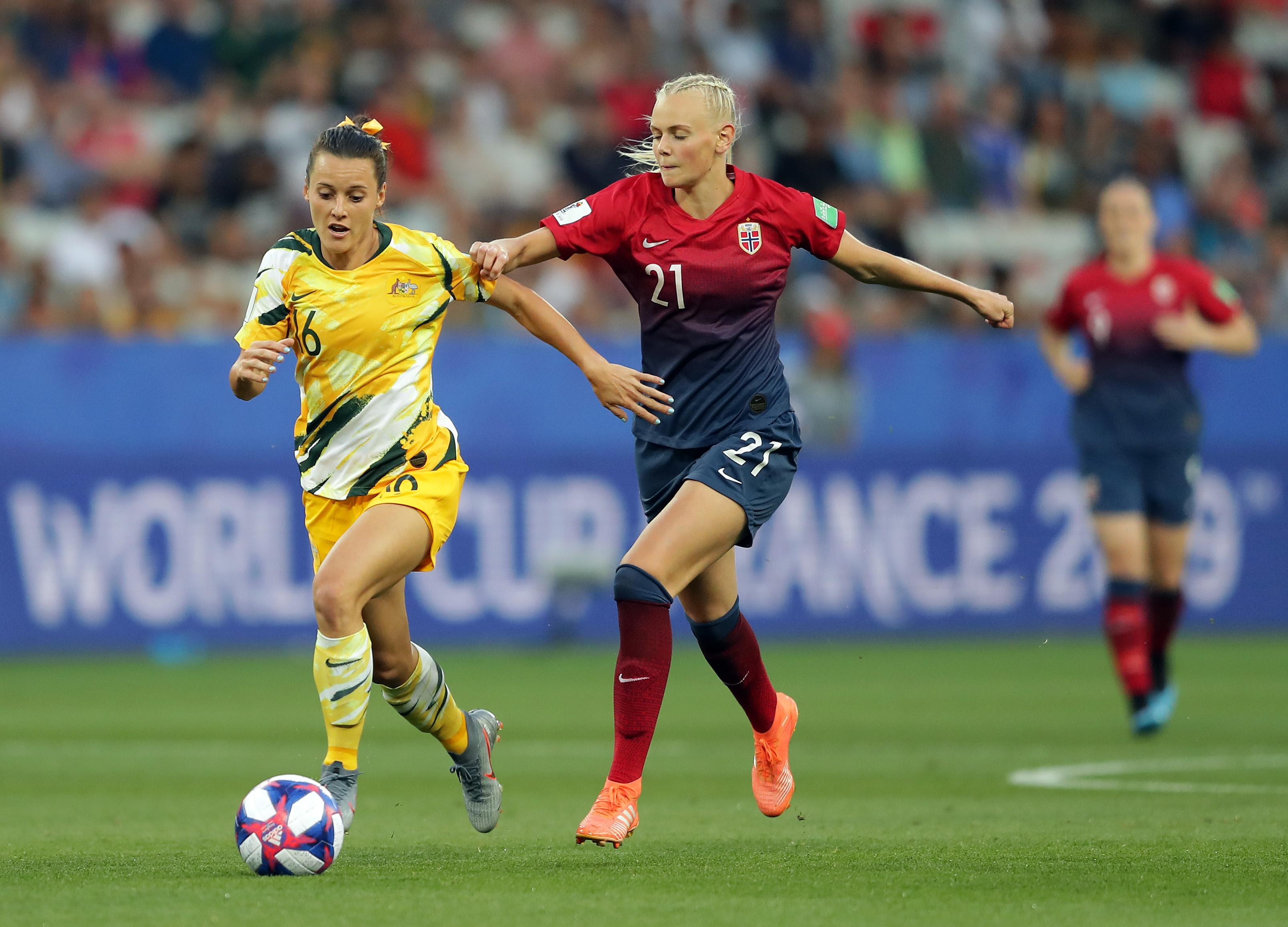 Everton Women sign Australian international Hayley Raso