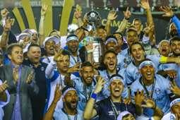 Jogadores do Grêmio comemoram a conquista da Copa Libertadores de 2017
