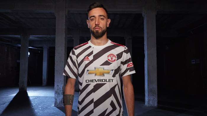 Bruno Fernandes Manchester United third kit 2020-21