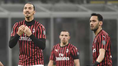 Zlatan Ibrahimovic Hakan Calhanoglu Milan 01292020