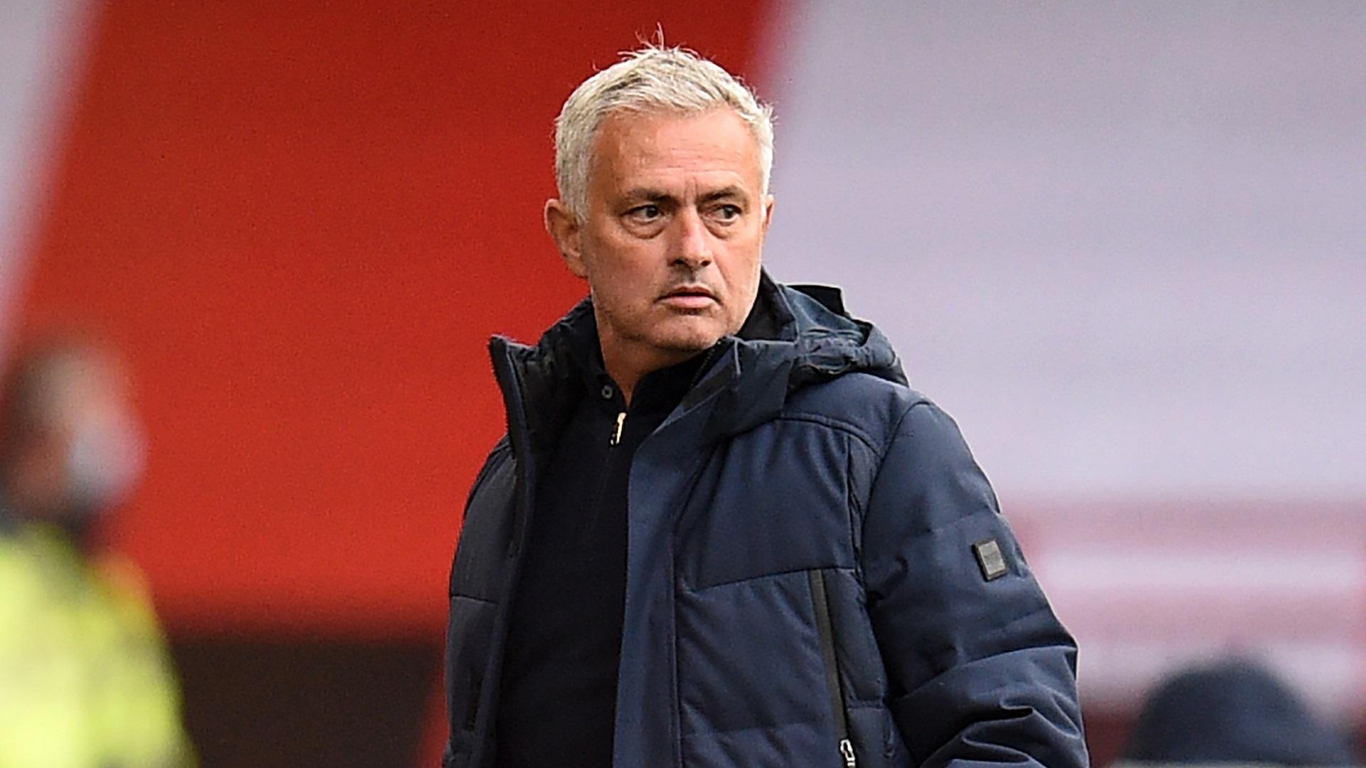 Mourinho quitte la conférence de presse en raison de difficultés techniques