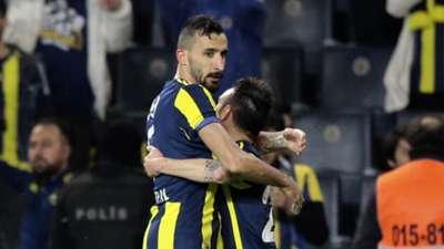 Mehmet Topal Valbuena Fenerbahce 12182017
