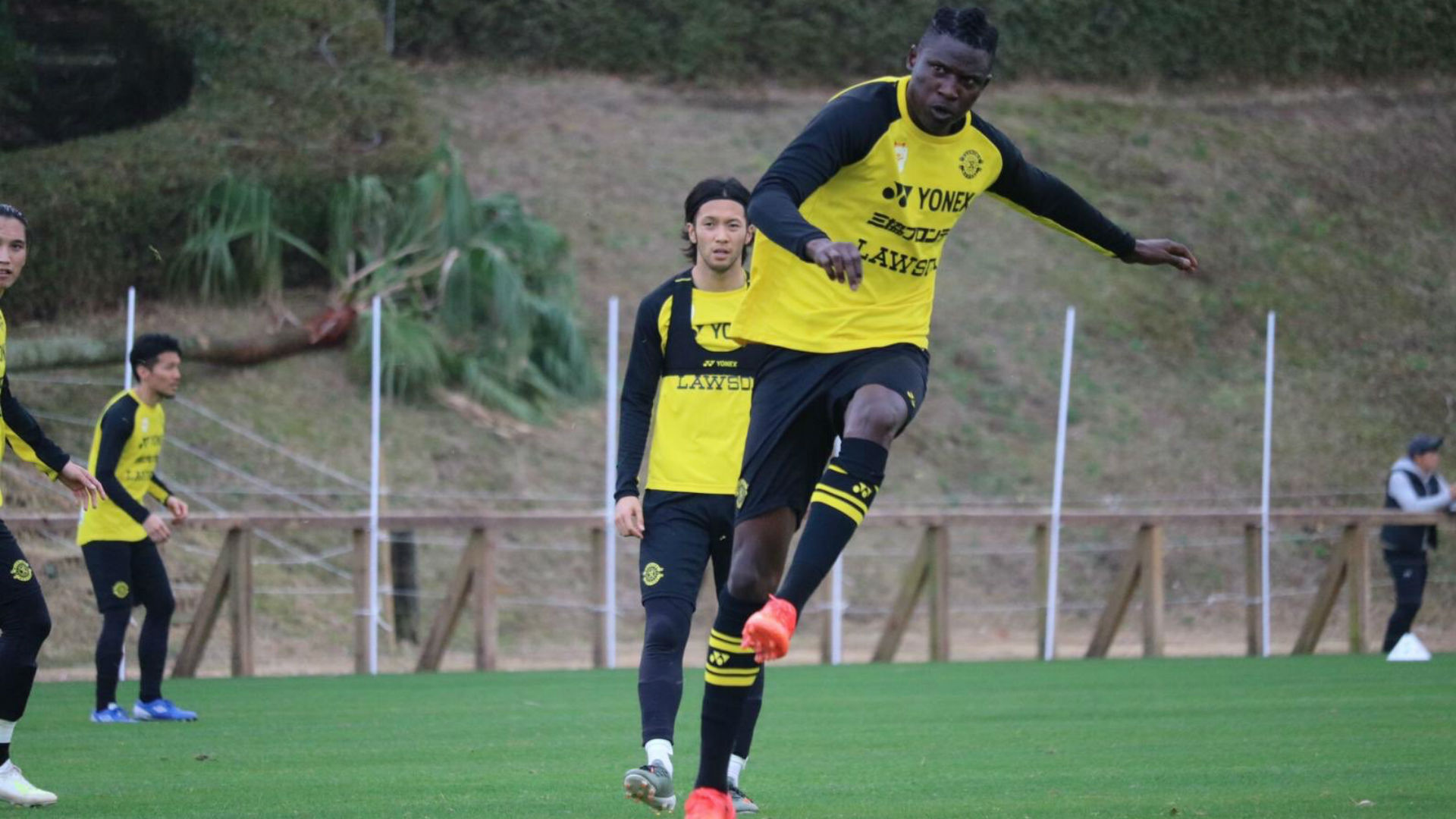 Olunga's wait for goal goes on as Kawasaki Frontale beat Kashiwa Reysol