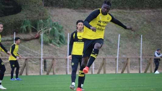 Olunga Scores As Kashiwa Reysol Dispatch Gamba Osaka In J League Cup Goal Com