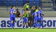 النصر الإماراتي يحتفل أمام شباب الأهلي دوري الخليج العربي