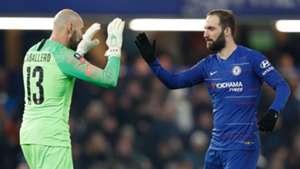 Willy Caballero Gonzalo Higuain Chelsea 2019