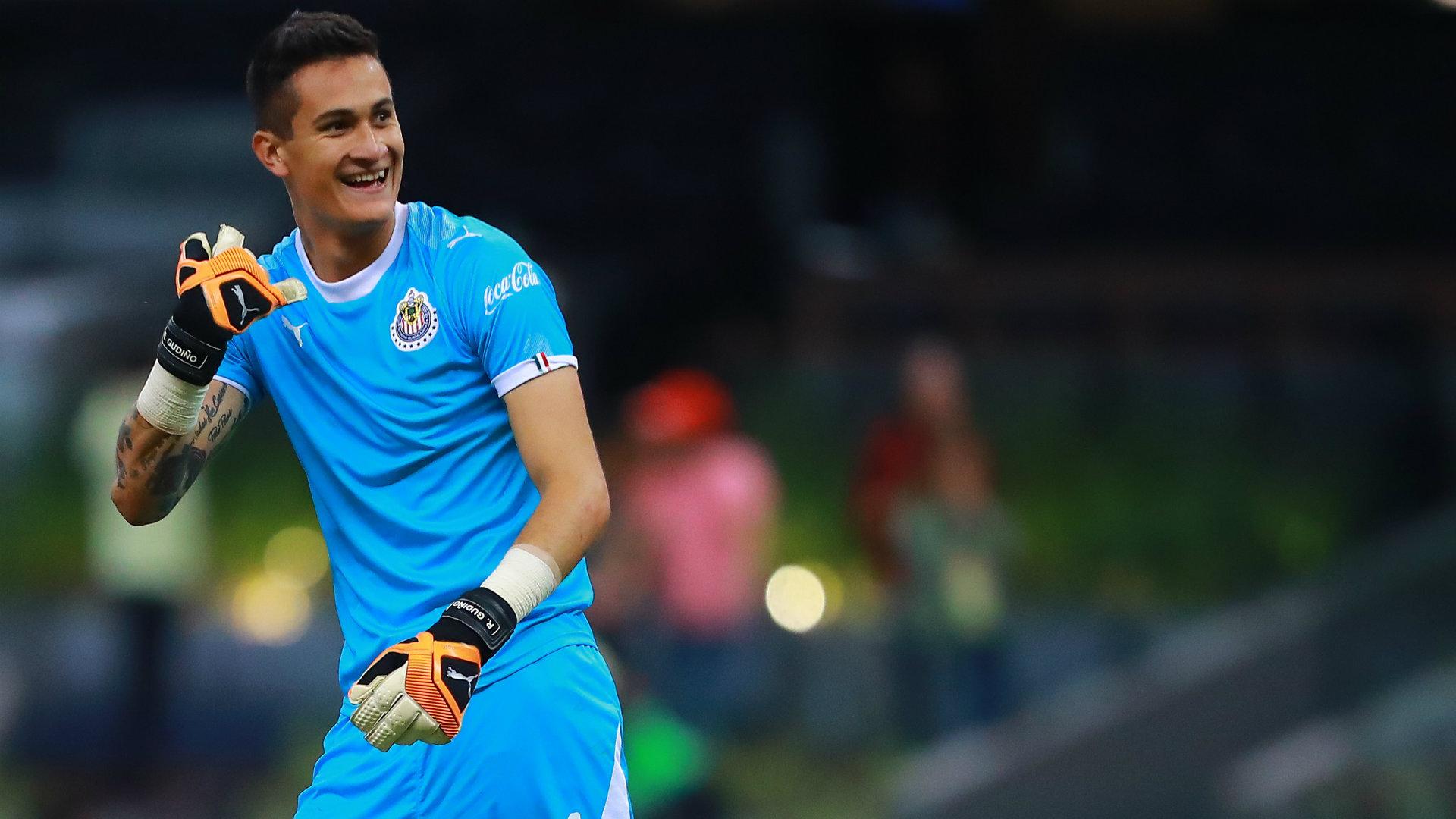Quién es Raúl Gudiño, el héroe de Chivas en el Clásico?   Goal.com